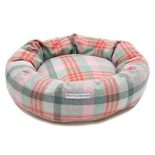 Mutts and Hounds Luxury Macaroon Check Tweed Donut Bed