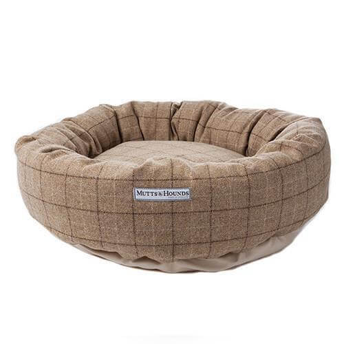 Mutts and Hounds Luxury Oatmeal Check Tweed Donut Bed