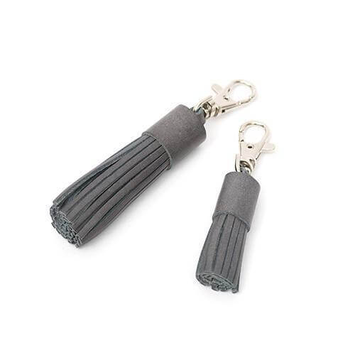 Mutts and Hounds Luxury Stoneham Leather Tassel Clip