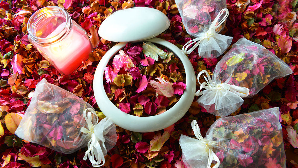 How to Make Homemade Potpourri with Fragrance Oil