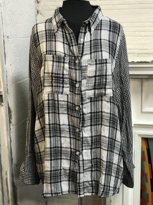 Boardwalk Plaid Button Top