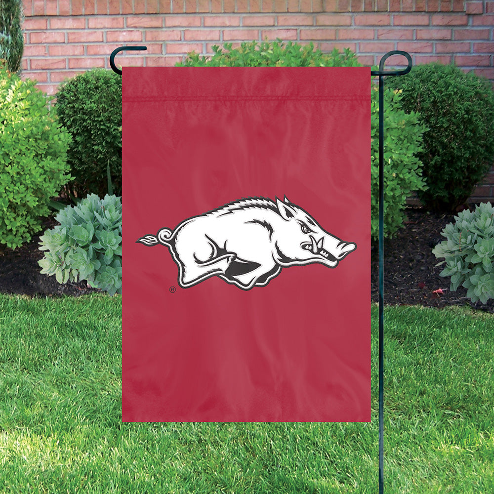 ARKANSAS RAZORBACKS GARDEN FLAG APPLIQUE EMBROIDERED FULL SIZE HEAVYWEIGHT NYLON