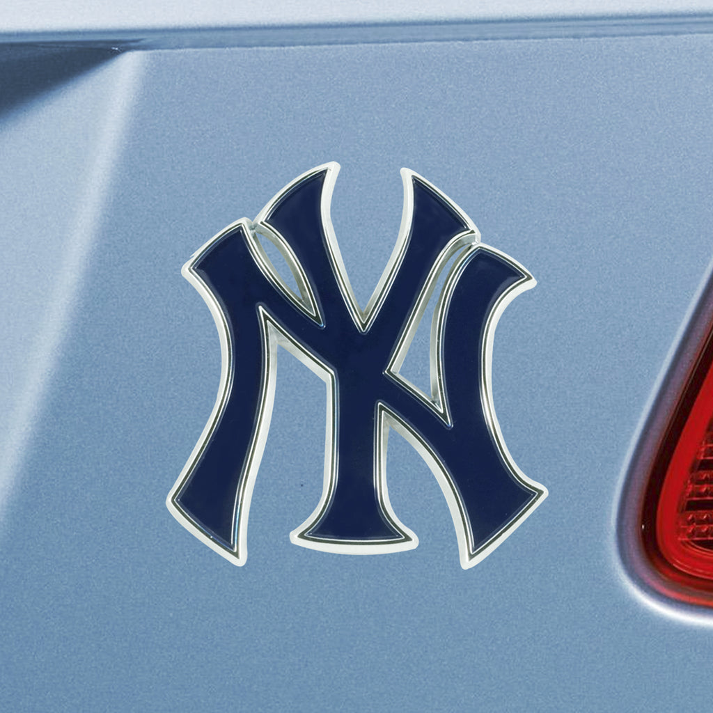 NEW YORK YANKEES METAL AUTO EMBLEM COLOR 3-D TRUE TEAM COLORS MLB CAR TRUCK LAPTOP