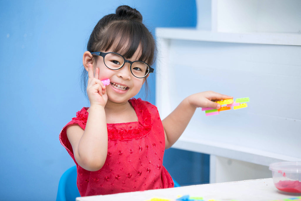 Great Tips For Helping Your Child Adjust To Wearing Glasses