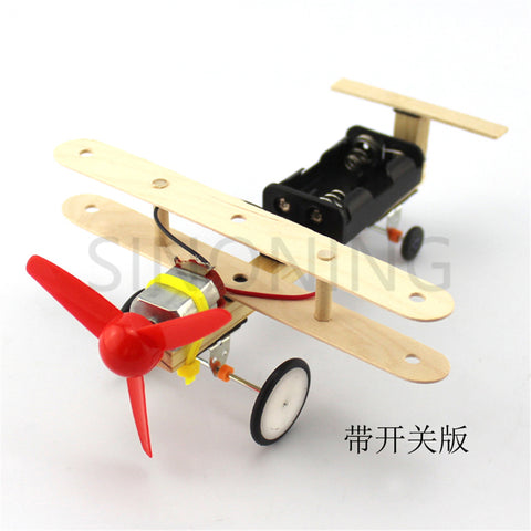 Wind power small aircraft taxiing airplane student hand makers make DIY air science experiment