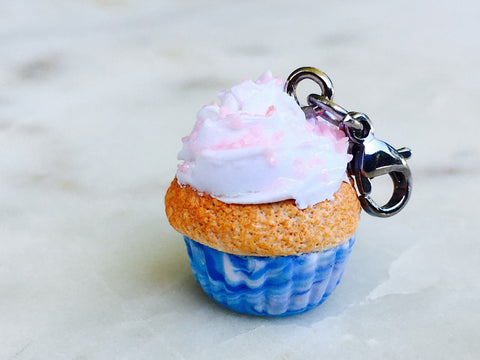 #Limited Edition Charm               ✨Fab Cupcake ✨