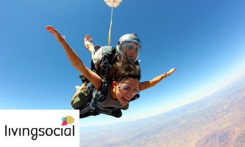 LivingSocial - Plain your skydiving adventure!