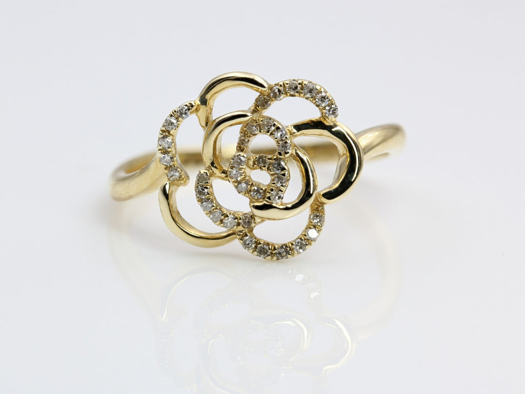 DIAMOND RING IN 14K YELLOW GOLD SWIRL DESIGN
