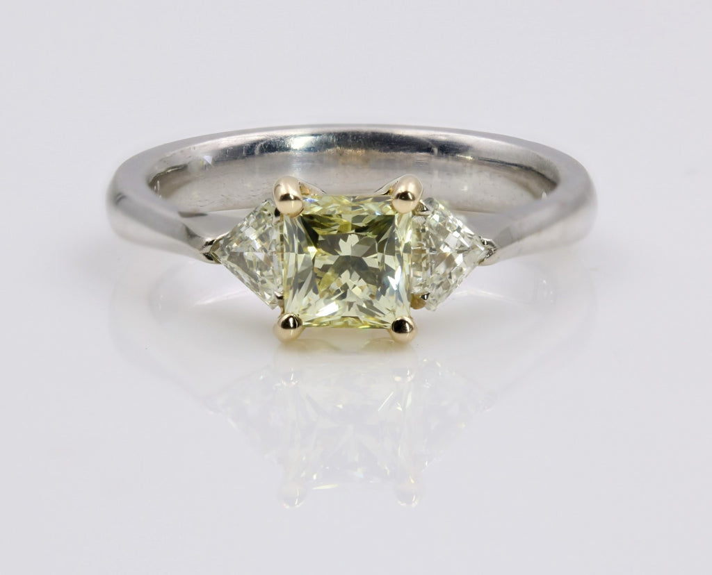 FANCY YELLOW DIAMOND RING 18K WHITE GOLD