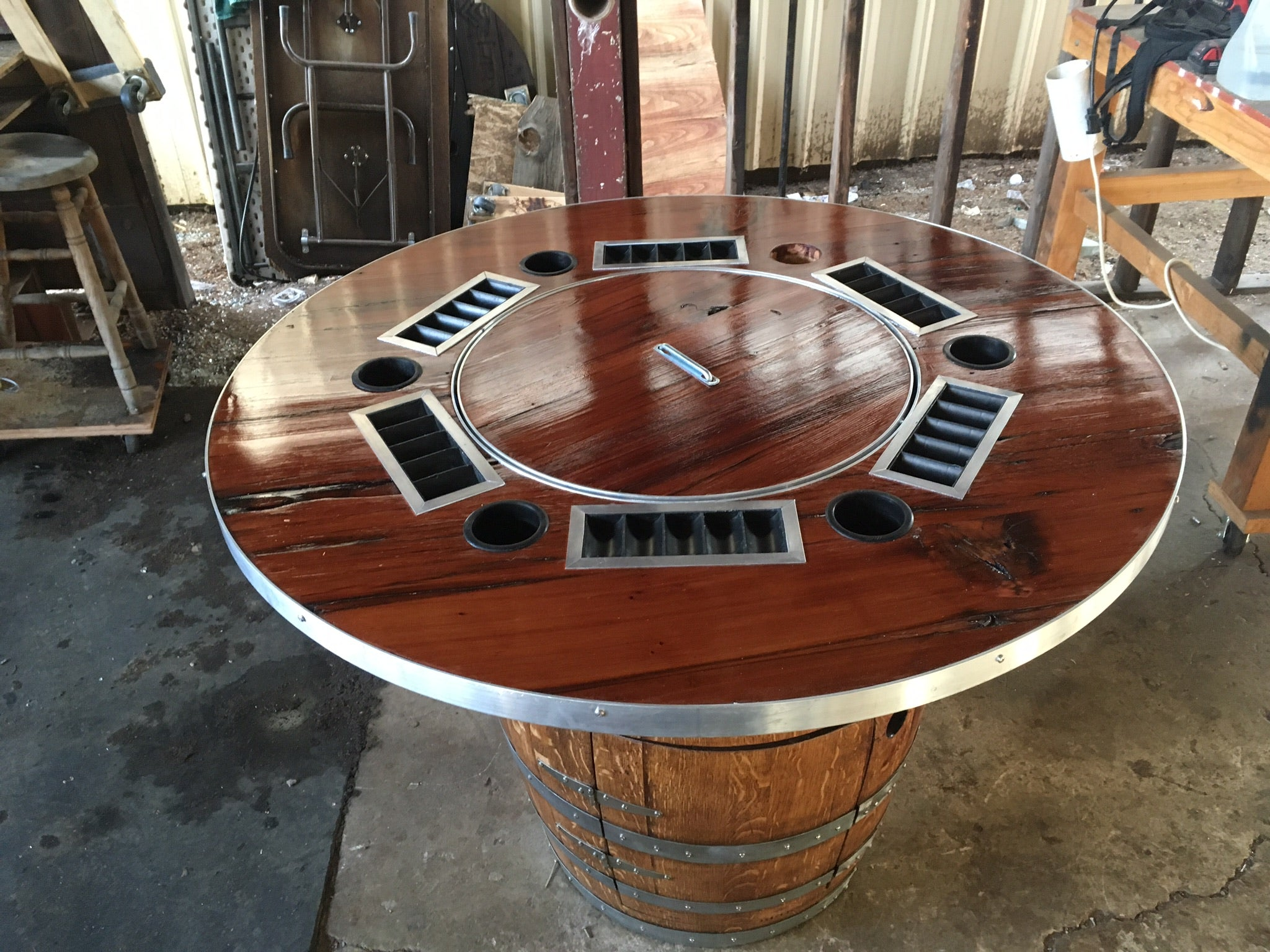 Barrel poker table and chairs programme casino deauville poker