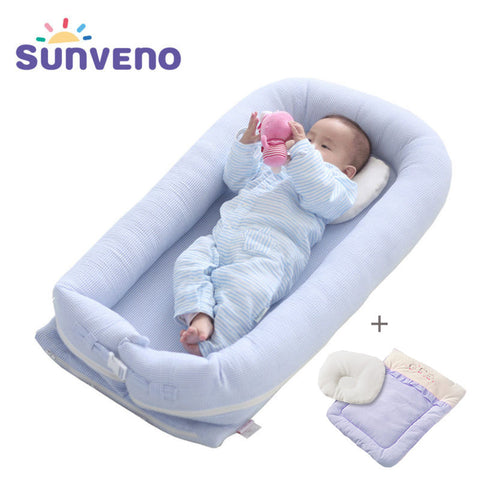 Sunveno Portable Baby Crib With Pillow and Quilt Travel Bed for Baby 0-36 Months