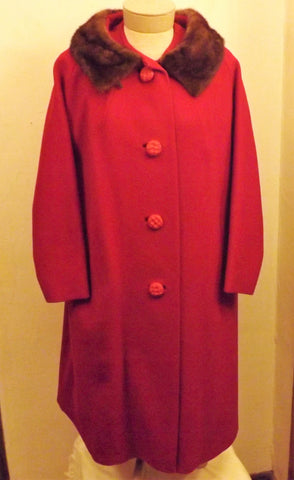 1950s Red Swing Wool Top Coat with Sheared Mink Fur Trim Size XL
