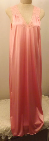 Vintage Vanity Fair Full Length Pink Sleeveless Nightgown Size S