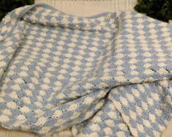 Handmade Shell Stitch Blue White Afghan Throw Blanket - The Blackwolf Shop Vintage Clothing for Men and Women, Antiques and Estate Jewerly