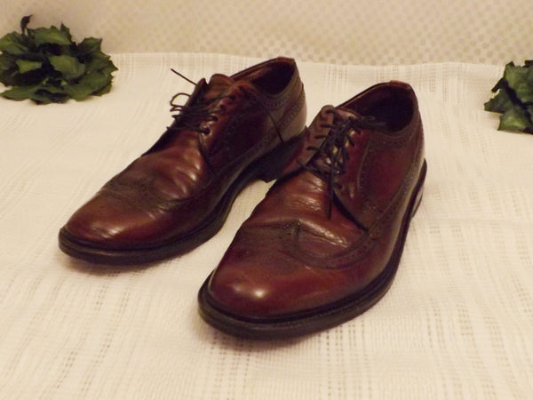 Vintage Freeman Mens Brown Leather Full Brogue Wingtips Size 10 - The Blackwolf Shop Vintage Clothing for Men and Women, Antiques and Estate Jewerly