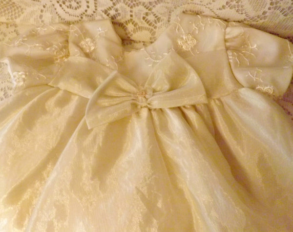 Vintage Girls Lace Tulle Baptism Dress Christening Gown 24 Months - The Blackwolf Shop