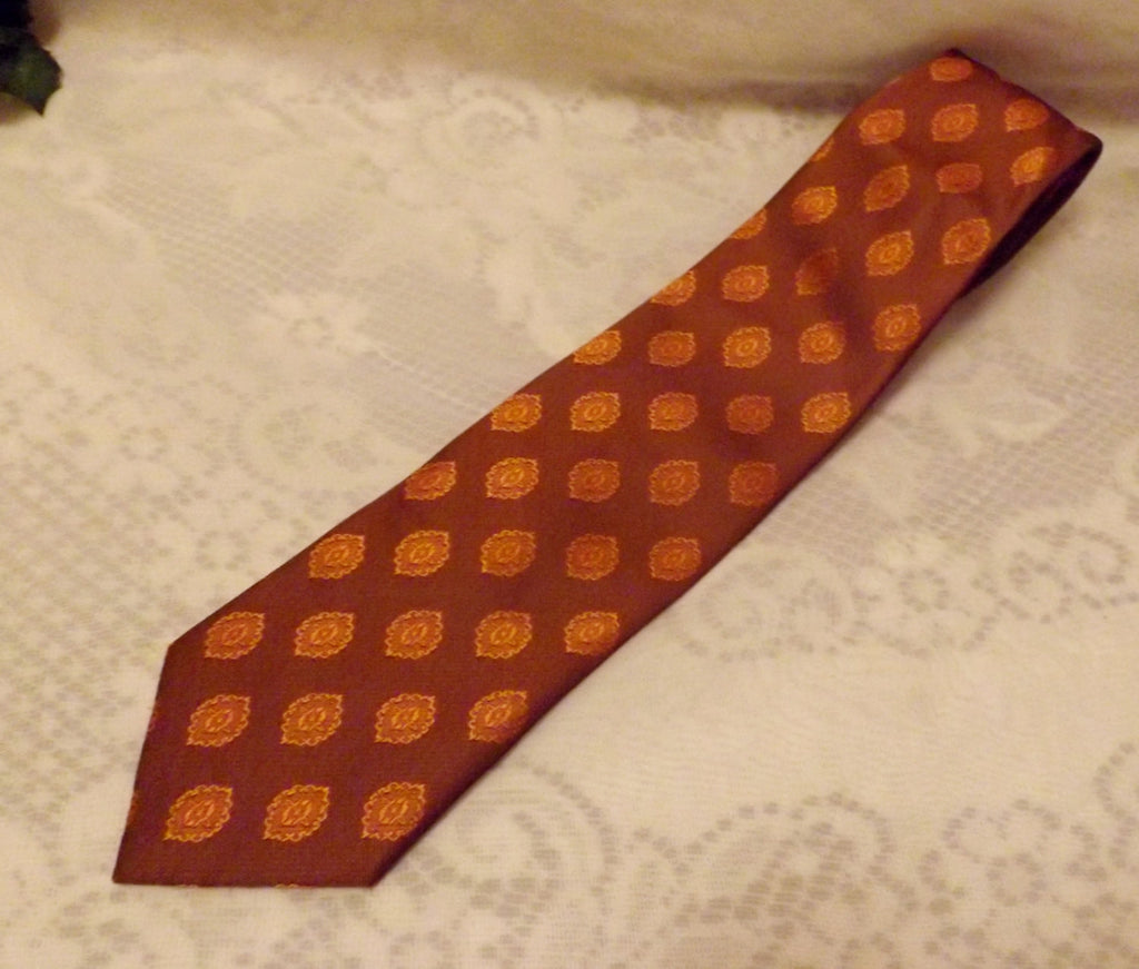 70s Vintage Mens Tie  Wembley Brown Gold Diamond Pattern - The Blackwolf Shop Vintage Clothing for Men and Women, Antiques and Estate Jewerly
