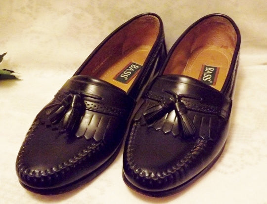 Bass Shoes Vintage Mens Black Leather Tassel Loafer  Size 10 D - The Blackwolf Shop