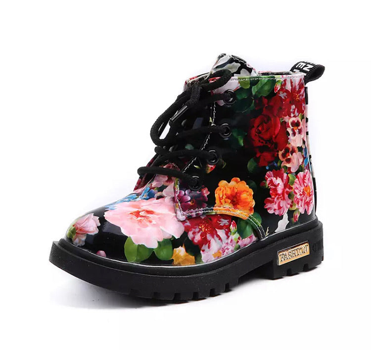 Floral Mini Docs | Black