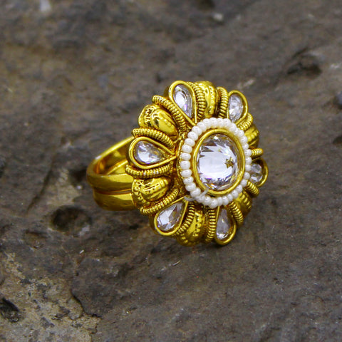 WHITE STONE & PEARL TRADITIONAL RING