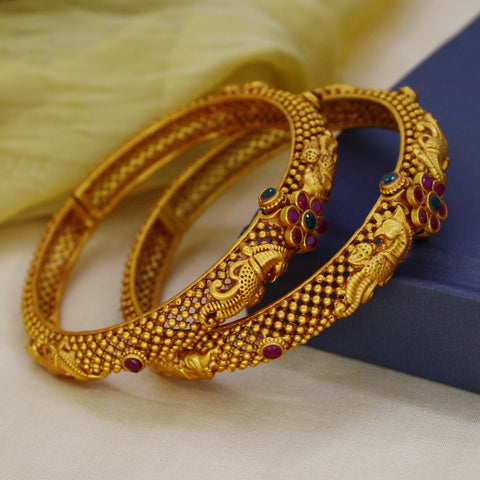 ELEGANT ETHNIC PESHWAI BANGLE