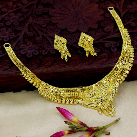 TRADITIONAL GOLDEN NECKLACE