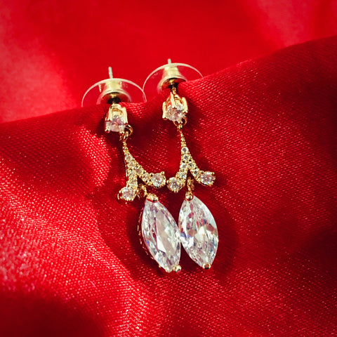 DROPLET DIA EARRINGS