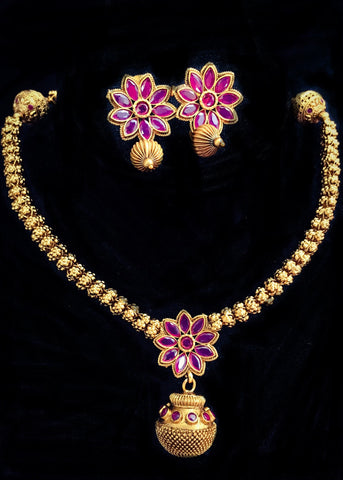 DESIGNER FLORAL WITH KEMP STONE NECKLACE