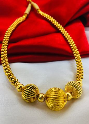 DESIGNER GOLDEN BEADS THUSHI
