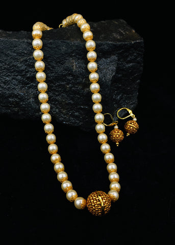 STUNNING PEARL BEADS NECKLACE