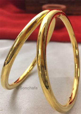 PLAIN GOLD PLATED BANGLES