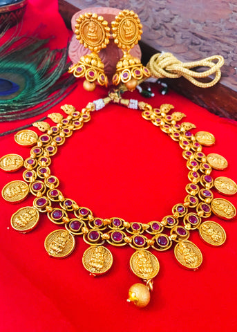 MATTE GOLD FINISH TEMPLE NECKLACE