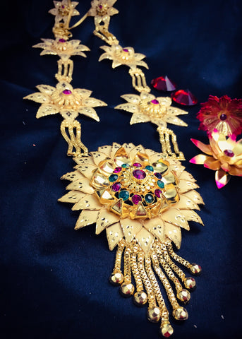 DESIGNER BROAD FLORET NECKLACE