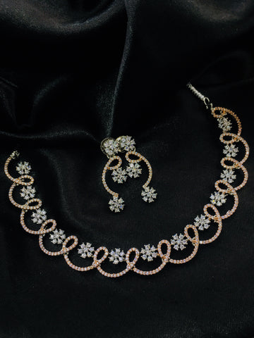 FLORAL DESIGNER NECKLACE