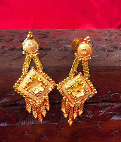 FLORAL GOLD PLATED EARRING