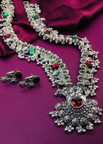 ALLURING DESIGNER NECKLACE SET