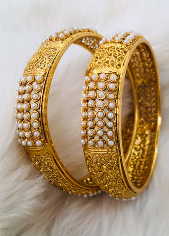 PEARL BEADS ANTIQUE BANGLES