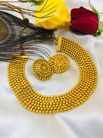 STYLISH GOLDEN BEADS CHOKER