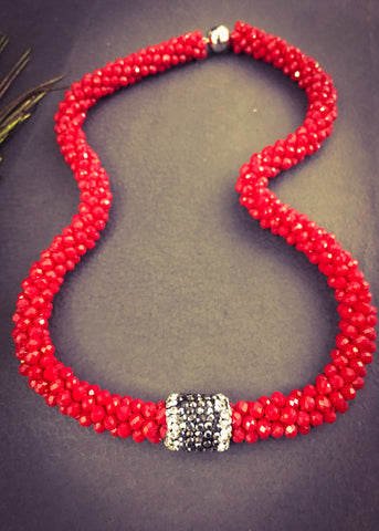RED CRISTAL NECKLACE