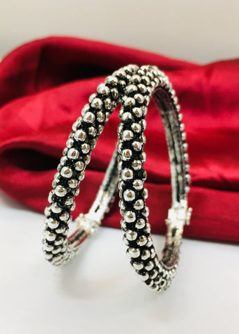 BEAUTIFUL OXIDISED BANGLES