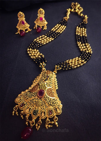 TRENDY FORMING MANGALSUTRA