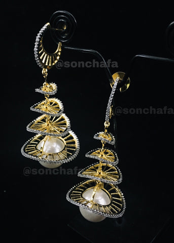 TRENDY EARRING STYLED WITH SILVER DAZZLED