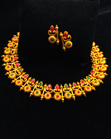 SPLENDID NECKLACE SET