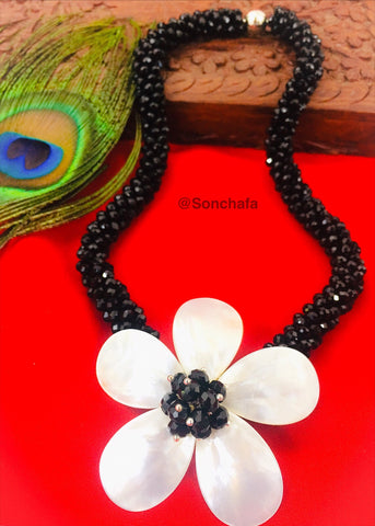 SHELL PEARL BLACK KOREAN NECKLACE