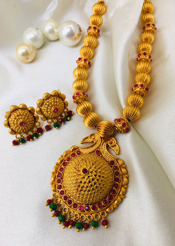 BEAUTIFUL PENDANT TEMPLE NECKLACE