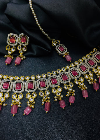 ROYAL LOOK KUNDAN NECKLACE