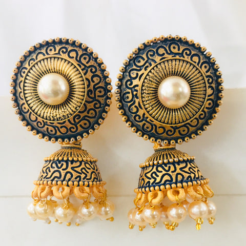 CIRCLE FASHIONABLE EARRINGS