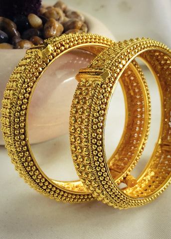 ADORABLE GOLDEN BEADS BANGLES