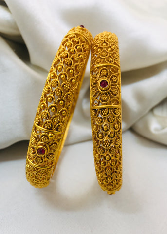 ROYAL DESIGNER BANGLES