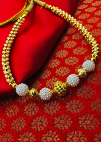PEARL WITH GOLDEN BEADS THUSHI